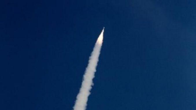 Imagini pentru racheta