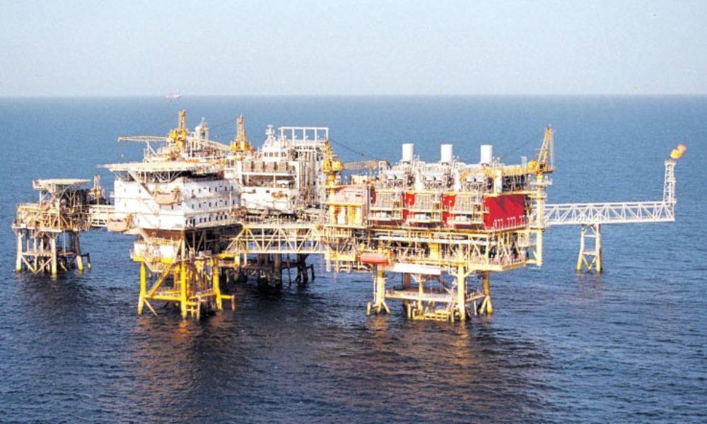Imagini pentru platforme petroliere în marea neagra photos